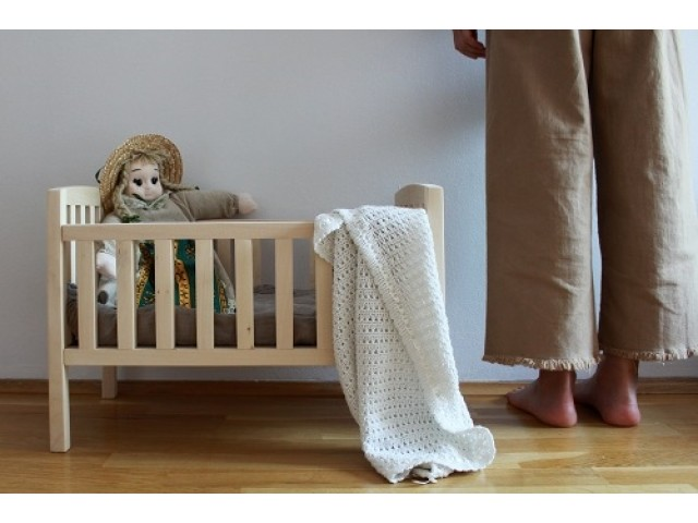 Pinch Toys | Doll Bed